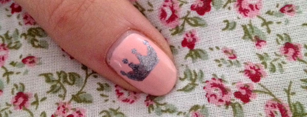 nail art couronne tuto facile