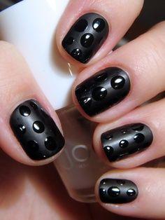 Nail Art ton sur ton très délicat